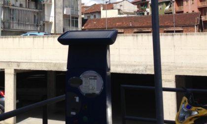 Parcheggi strisce blu, prorogati al 10 aprile gli abbonamenti