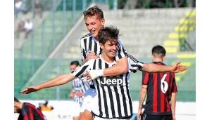 Il settimese Gabriele Bove in campo con la Juve a Villar Perosa