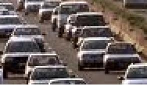 Traffico stradale: lunghe code verso i luoghi di villeggiatura