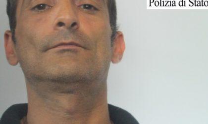 Truffavano aziende con assegni falsi: due arresti