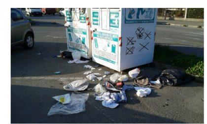 Ancora atti vandali ai danni dei raccoglitori di abiti usati a Settimo