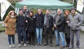 """Gassino, tre parlamentari con i Cinque Stelle al mercato per dire """"no"""" al referendum"""