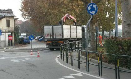 Lavori in via Mezzano, traffico in tilt
