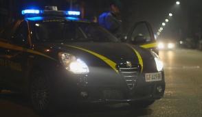 Blitz anticontraffazione, 1300 prodotti sequestrati in un negozio cinese