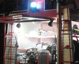 Incendio in un camino: sul posto i pompieri