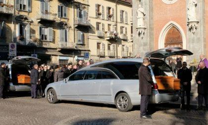 Grande commozione al funerale dei coniugi uccisi nel ferrarese