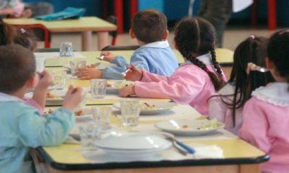 Acqua anche agli studenti che si portano il pasto da casa
