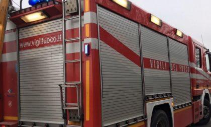 Gassino, scoppia un incendio in una cascina lungo la strada vecchia per Bardassano