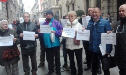 La protesta contro i maxi-conguagli ai condomini dell'Atc