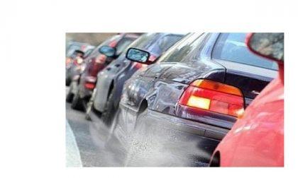 Smog, da domani scattano i blocchi al traffico