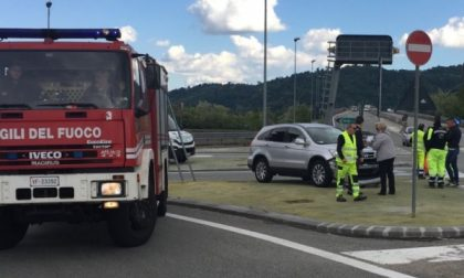 Incidente spettacolare in autostrada