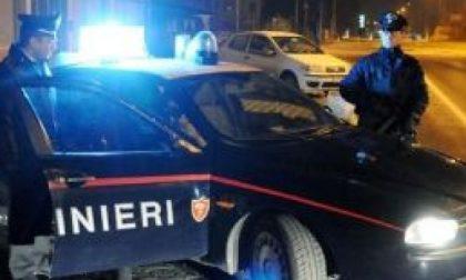 Ubriaca tampona l'auto dei Carabinieri