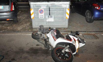 Motociclista muore in un incidente stradale: si cercano testimoni