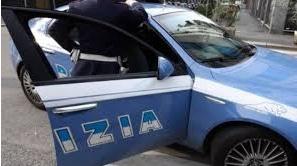 Scippa una donna: arrestato da un poliziotto libero dal servizio