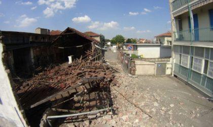 Settimo, crolla il capannone ex Smitit in centro città