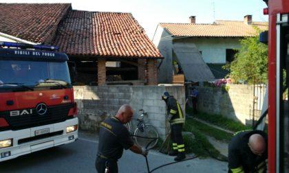 Incendio in un fienile: tragedia scampata