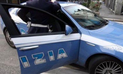 Picchiava la moglie e minacciava la figlia di morte: arrestato torinese a Savona