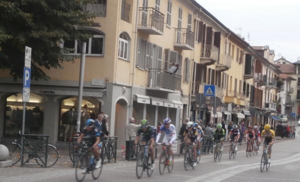 Ciclismo: Michael Woods vince la Milano-Torino NamedSport, 20^posizione per Diego Rosa