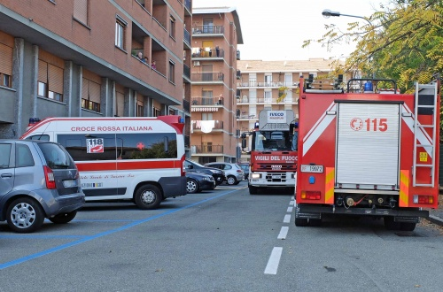 Precipita un ascensore in via Bligny: traslocatore contuso