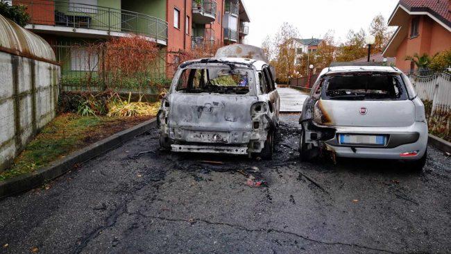 Venaria Reale, incendio auto, rogo, Borgaro, roghi