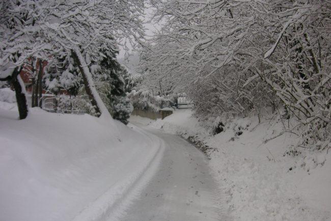 Maltempo, la strada per Cervinia ancora chiusa per pericolo valanghe