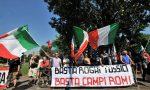 Fumi tossici al campo rom continuano le proteste