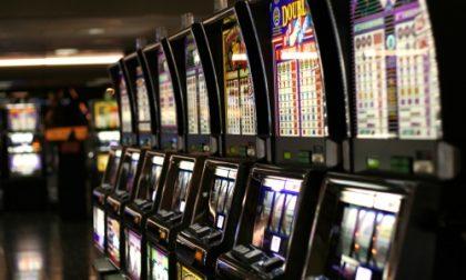 Sala slot illegale è aperta: sanzioni per oltre 300 mila euro