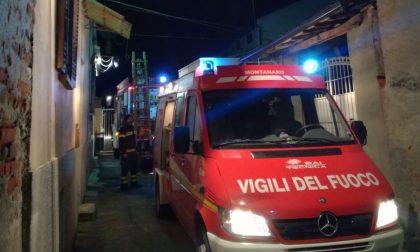 Incendio cascina rogo distrugge il tetto IL VIDEO