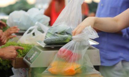 Sacchetti frutta da oggi si pagano