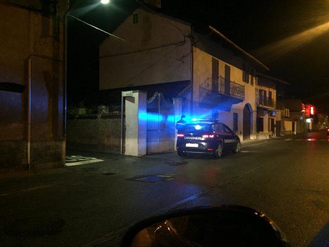 Non apre alla porta arrivano carabinieri e vigili del fuoco LE FOTO