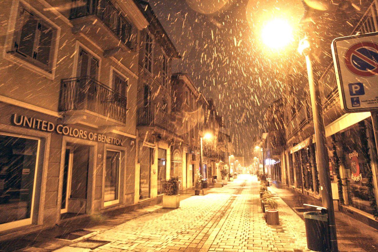 Big Snow, Settimo in bianco. La città, fatti, sin dalle prima ore di oggi, giovedì 1 marzo sta vedendo scendere soffici fiocchi di neve che l