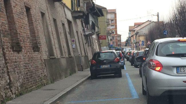 Traffico in tilt in via Cosola per lavori