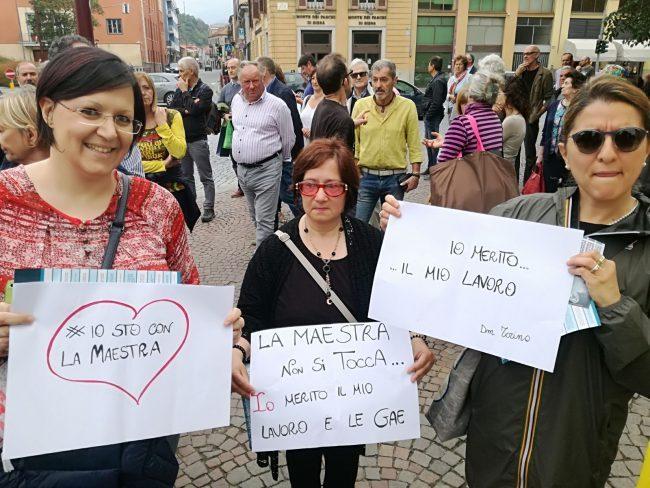 Maestre protestano all'arrivo di Di Maio