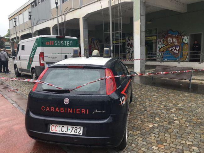 Torino, spari durante rapina alle Poste: ferito uno dei malviventi