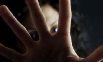 Giovane violentata da due uomini tenta il suicidio