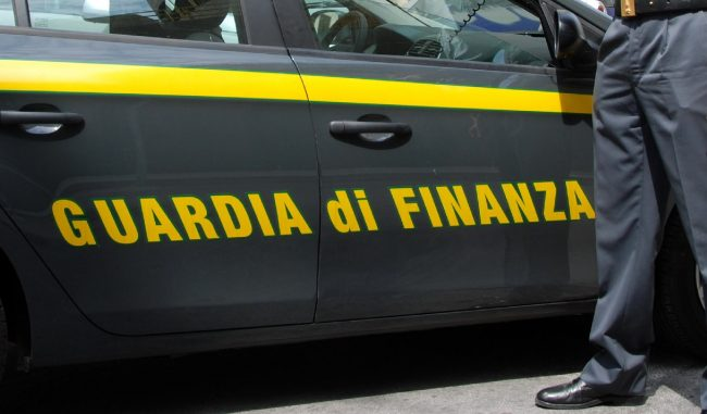 Auto di contrabbando sequestrate dalla Guardia di Finanza