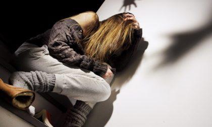 Abusi sessuali su due minori: arrestato un operatore