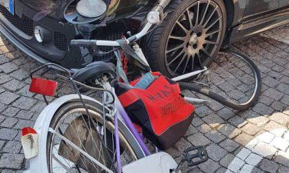 Donna travolta in bici all'incrocio, i rilievi della polizia municipale