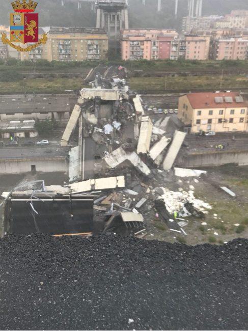 Ponte Morandi, un premio ai vigili di Torino per i soccorsi