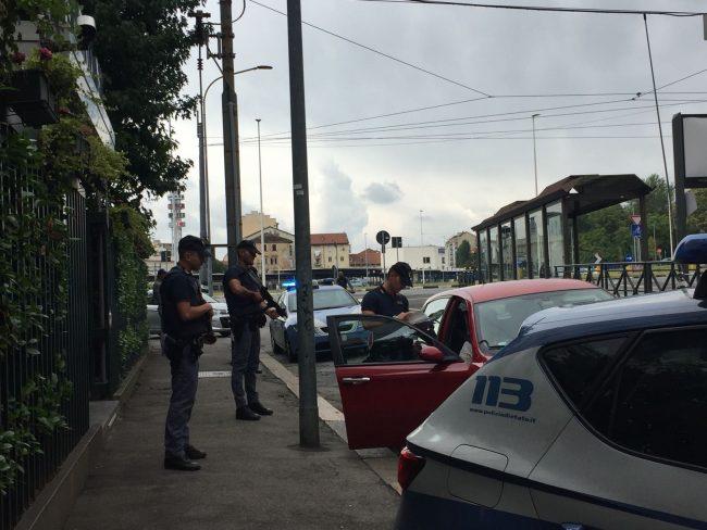 Ufficio Per Stranieri Torino : Controlli stradali cinque stranieri portati all ufficio immigrazione