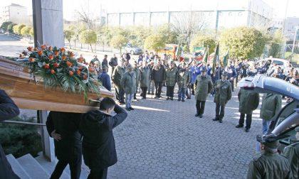 Picchetto d'onore e banda per il funerale del portabandiera Giuseppe Aldegheri LE FOTO