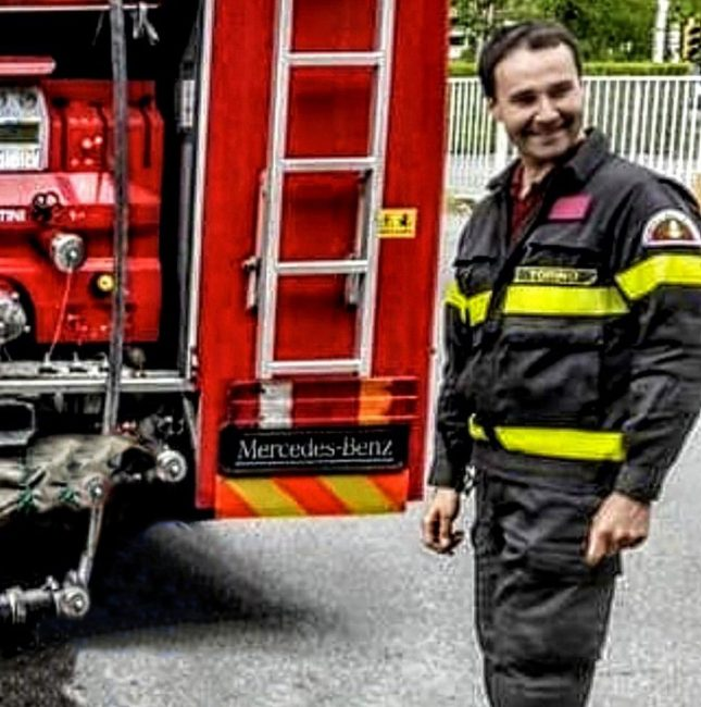 Vigile del fuoco di Saluggia morto in un incidente. I FUNERALI
