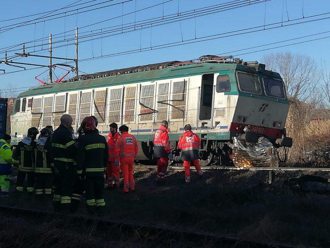 Travolto da un treno a Chivasso  FOTO E VIDEO