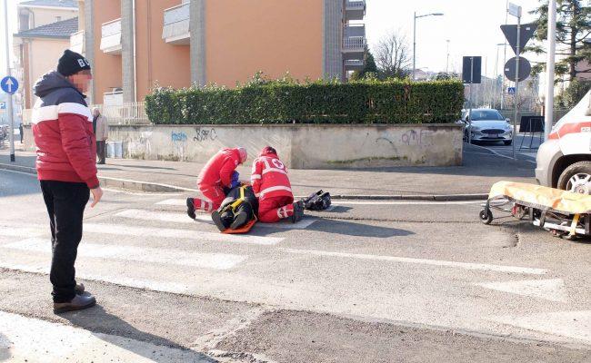 Anziana caduta in strada, in viale Piave arriva l&#8217&#x3B;ambulanza