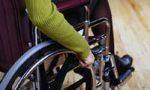 Ragazza disabile si sente male in attesa al centro dell'impiego
