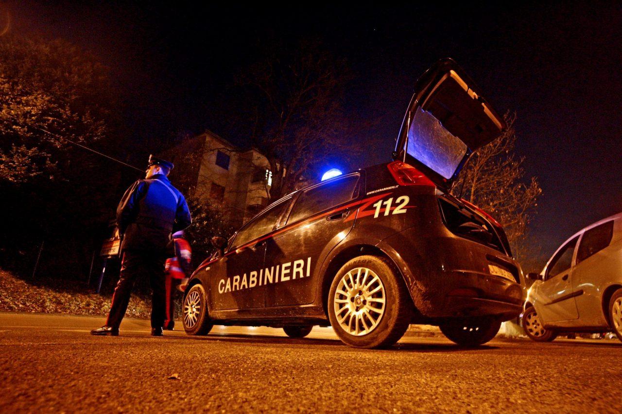 Rapinano la sala giochi e scappano in taxi. Ad insospettire i carabinieri quel taxi che viaggiava nel centro di Settimo alla mezzanotte tra giovedì e venerdì è sembrato troppo strano.