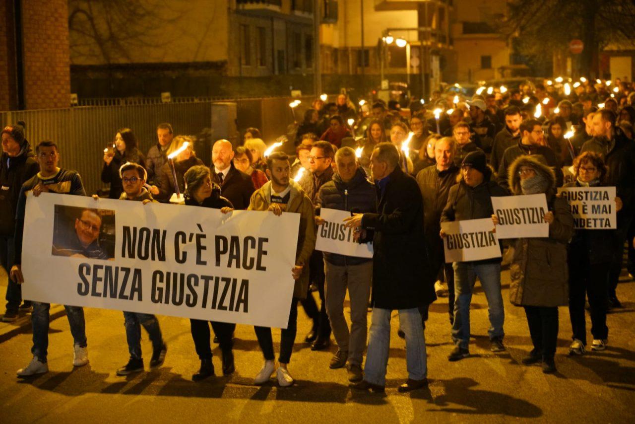 """Omicidio Gugliotta, la moglie: """"Hanno ucciso per la seconda volta mio marito"""". E"""
