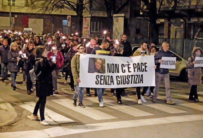 Fiaccolata per Maurizio Gugliotta, attesa domani la sentenza contro l&#8217&#x3B;assassino del suk TUTTE LE FOTO