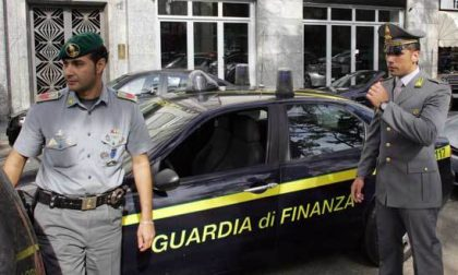 In auto con oltre 7 chili di hashish: arrestato