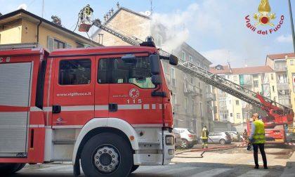 Incendio in appartamento: mamma e bimba si lanciano dal balcone